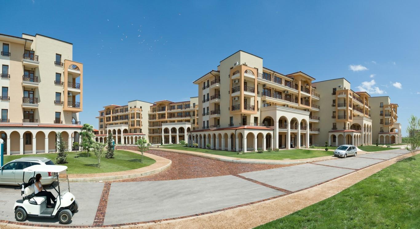 Lighthouse GolfSPA ApartmentsVillas