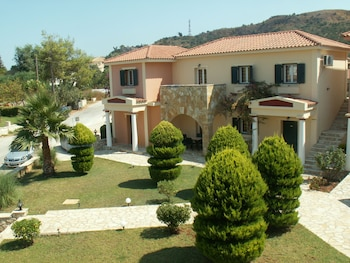 Elanthi Village Apartments