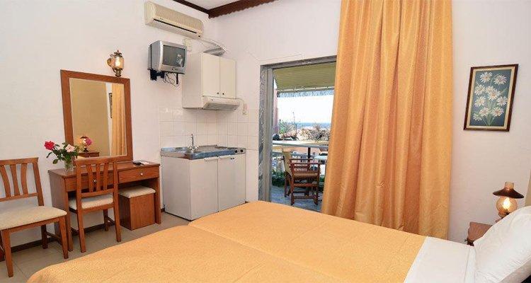 Polizotou Rooms