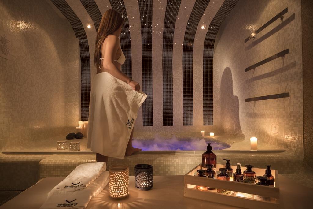 Aressana Spa Hotel and Suites (Fira - Santorini)