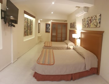 Hotel And Suites Nader