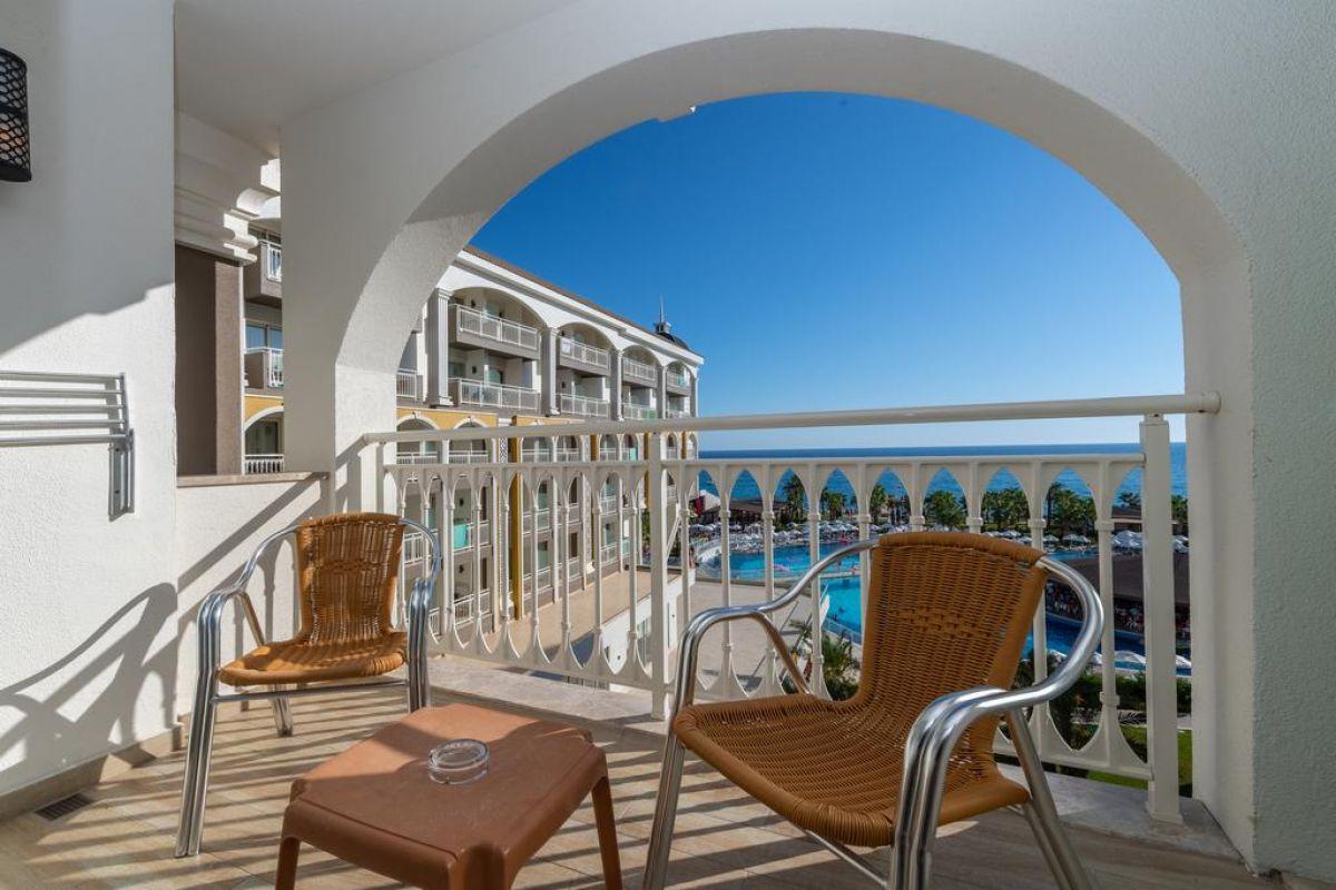 Kirman Sidera Luxury and spa
