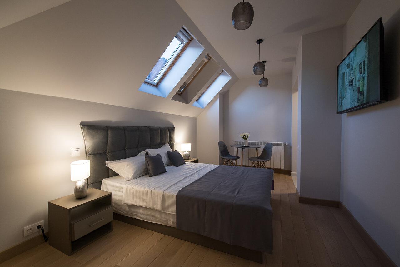 Revelion - Elexus Apartments