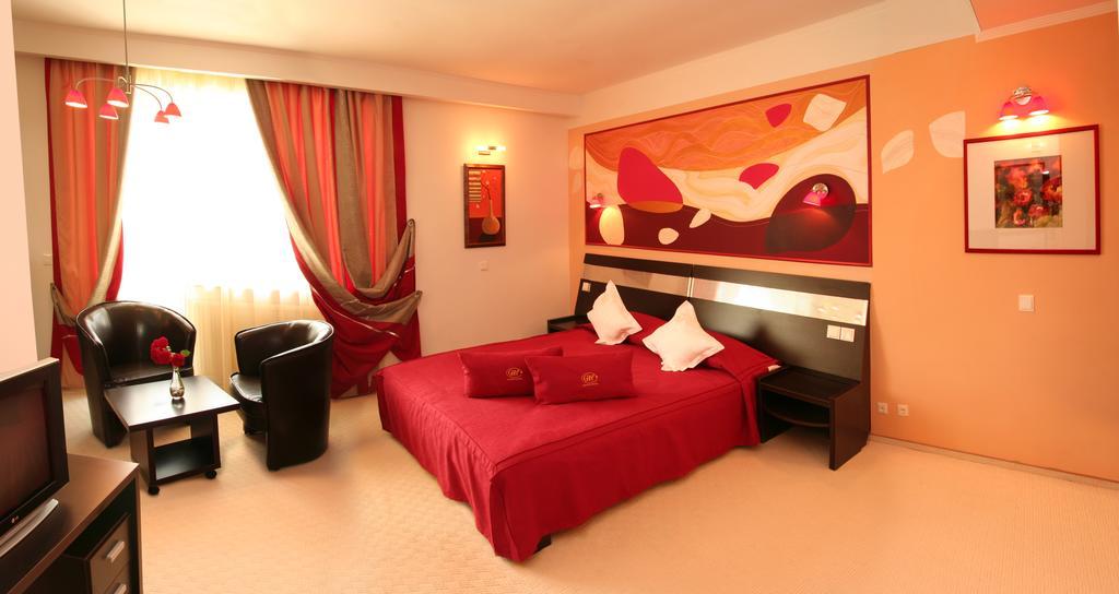 Hotel Grand - Oferta Craciun Inscrieri Timpurii 01.12.2021