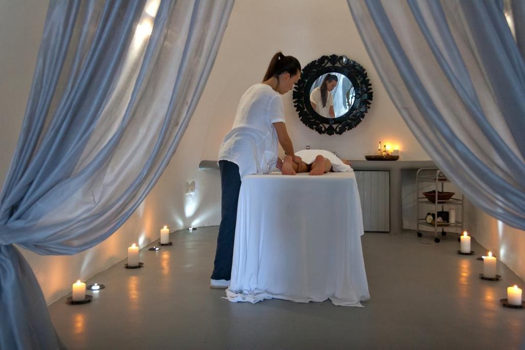 Ambassador Aegean Luxury Hotel Suites (Akrotiri - Santorini)
