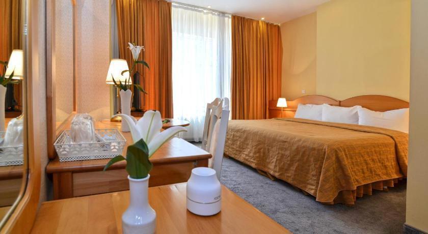 Hotel Queen Vera
