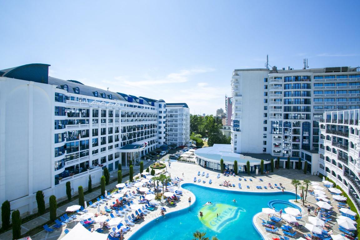 Arcadia Chaika Resort