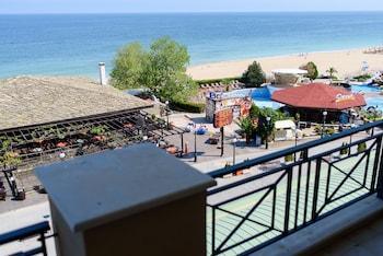 Sea View Rental Front Beach