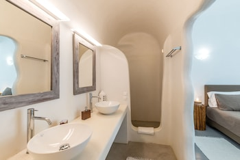 Elenis Village Suites