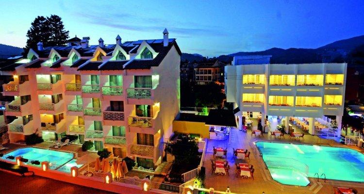 Blue Palace Hotel & Family