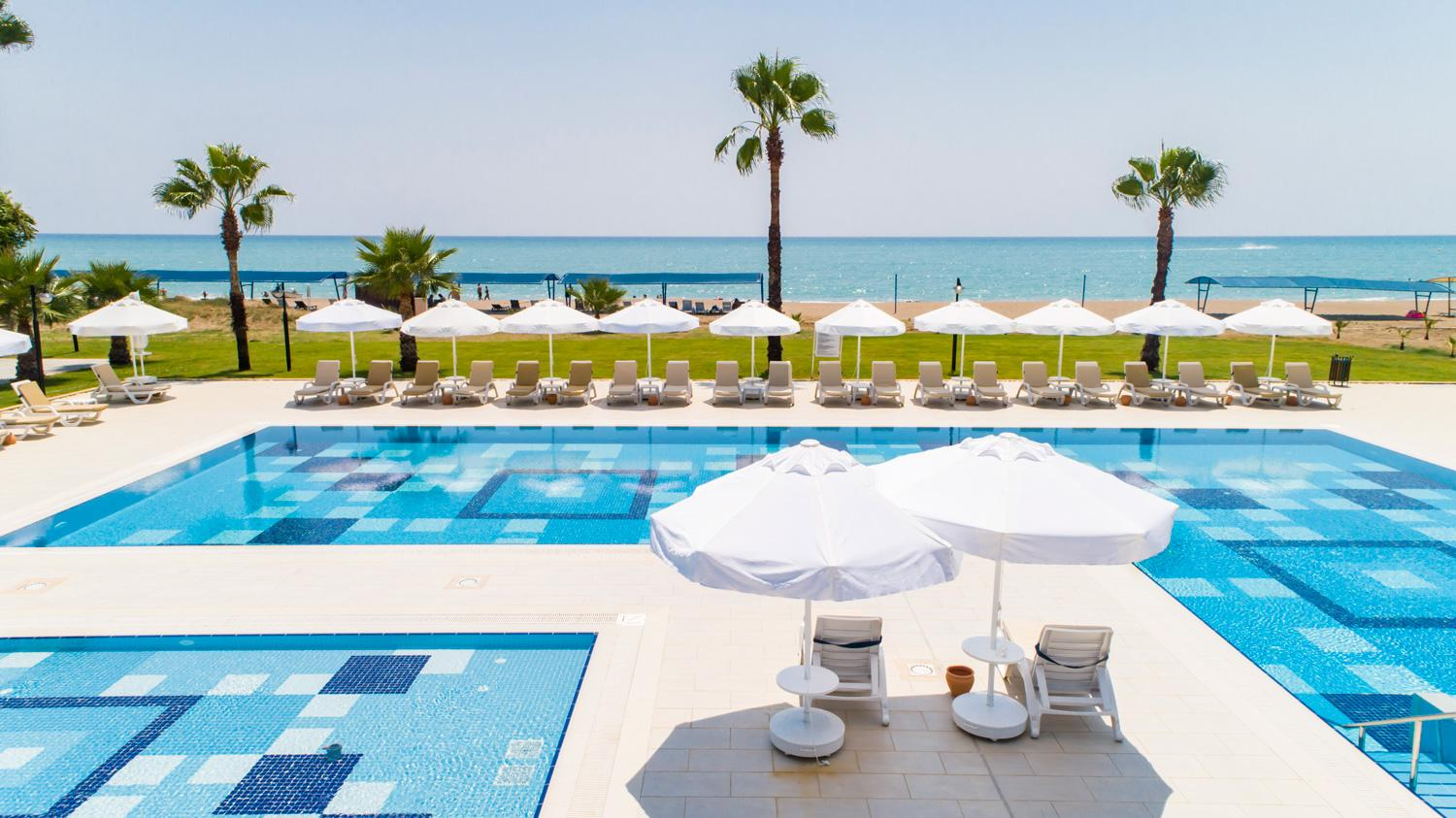 CRYSTAL BOUTIQUE BEACH RESORT (adults only)