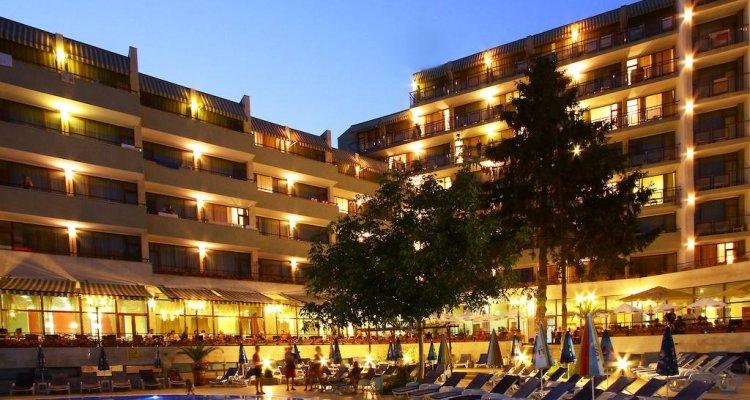 Hotel Edelweiss- Half Board
