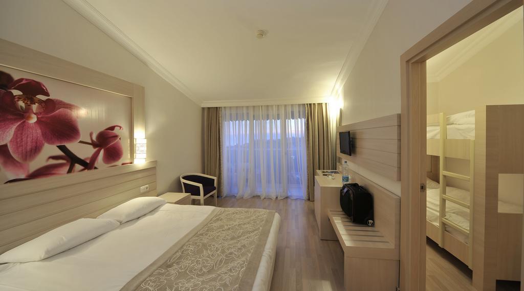 SEADEN COROLLA HOTEL 4 *