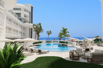 Laguna Beach Alya Resort & Spa Hotel