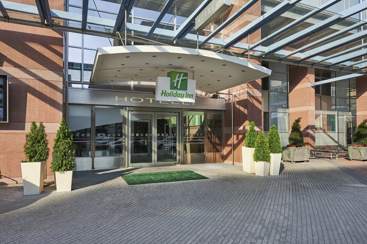 Holiday Inn Exhibition And Convention Center
