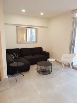 Luxury modern spacious flat in Egkomi