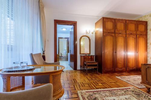 Former Ceausescu's Vila Crizantema