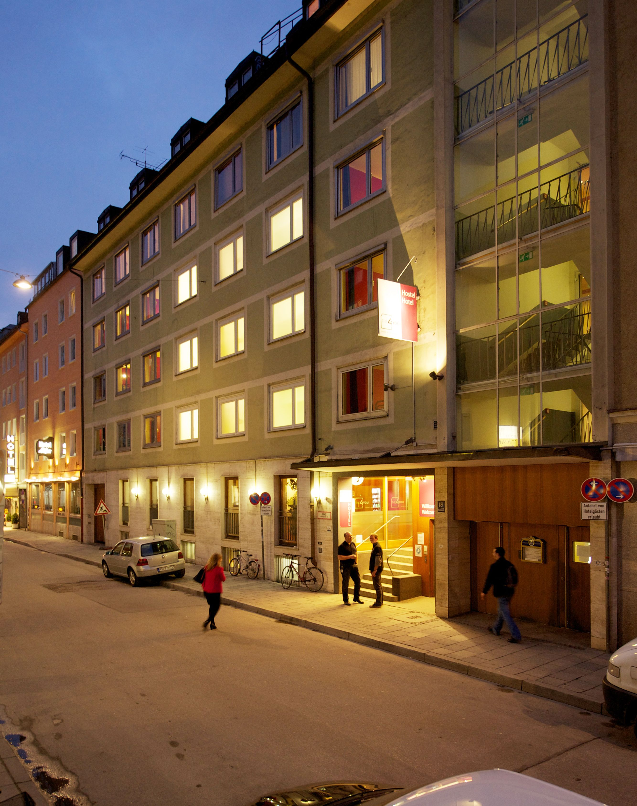 The 4 You Hostel And Hotel