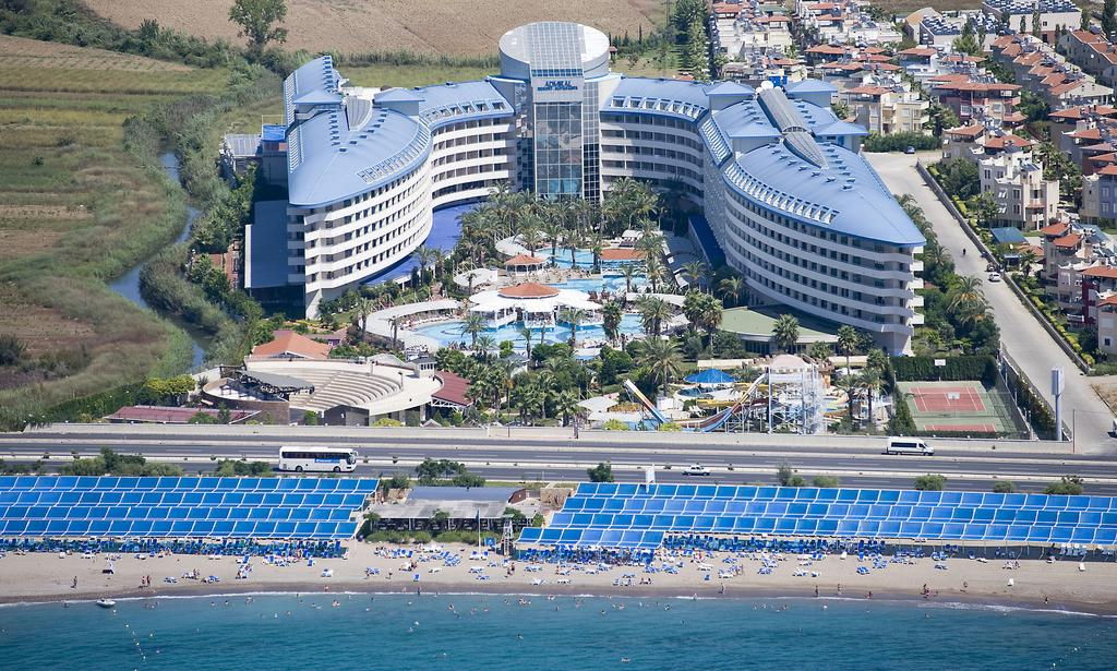 CRYSTAL ADMIRAL RESORT