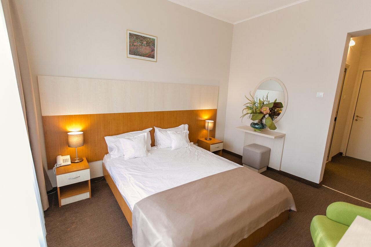 Paste - Hotel Nufarul