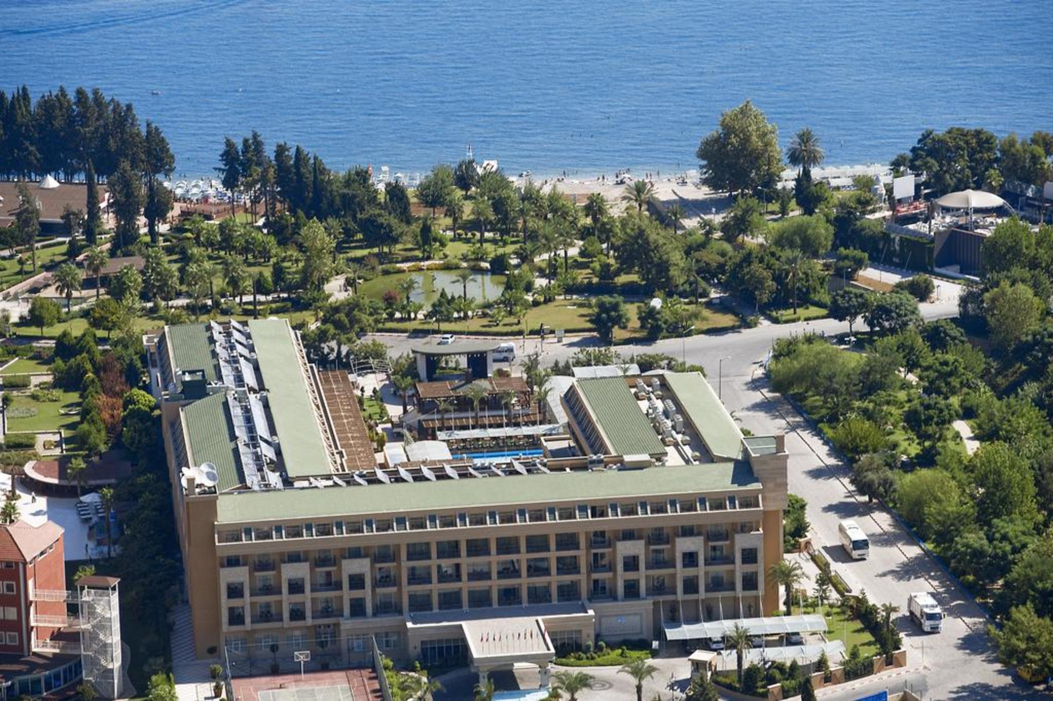 Crystal De Luxe Resort & Spa