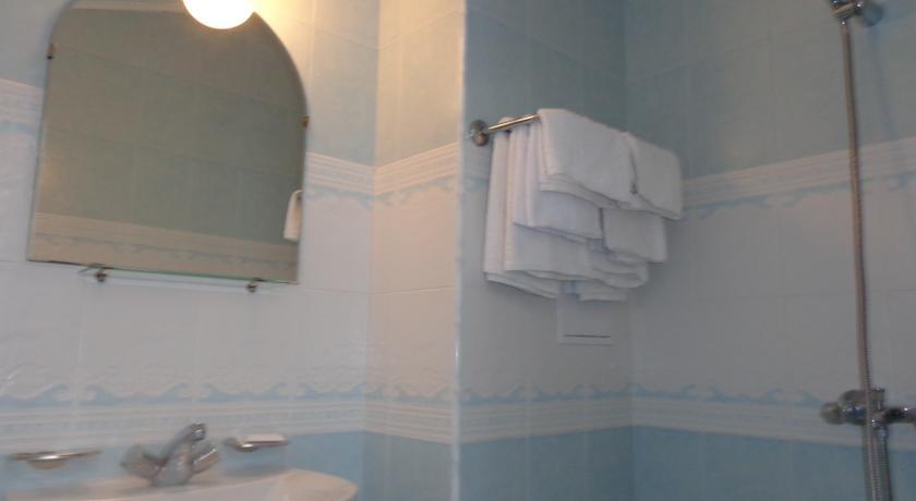 Poseidon Family Hotel