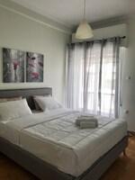 Athenian Sunny Apartment