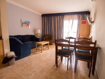 Ulysses Aparthotel