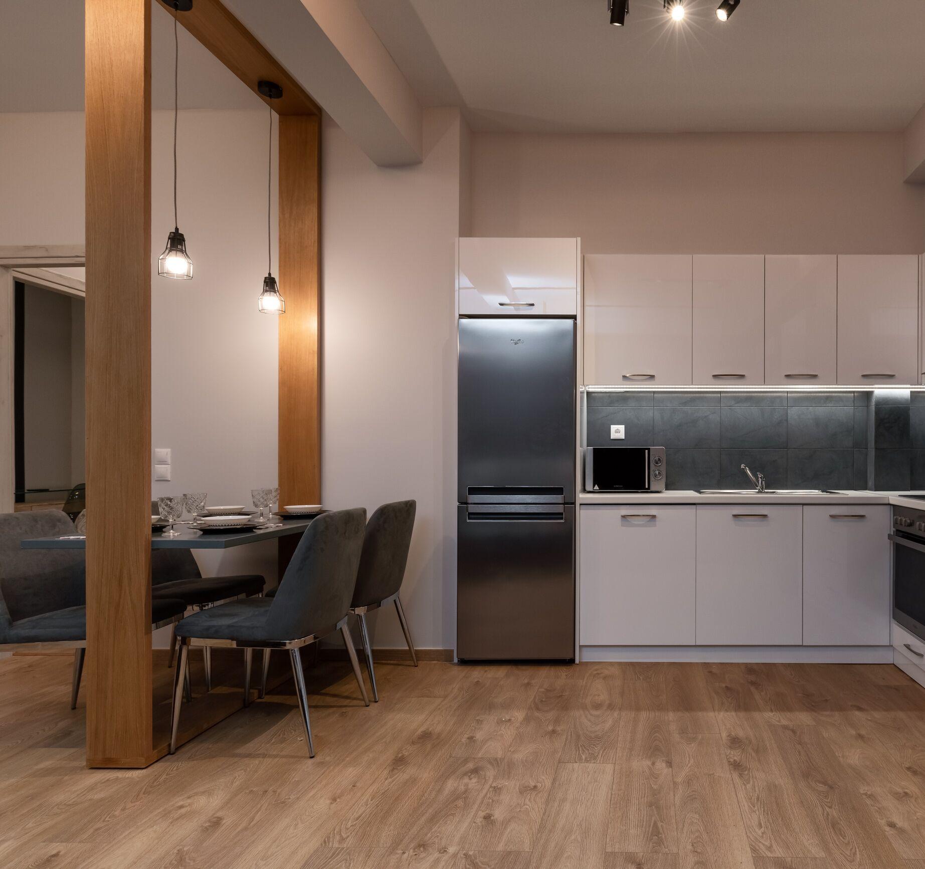 101m² Renovated Apartment In Koukaki