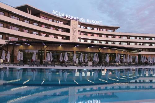 Aqua Paradise Resort  Aqua Park