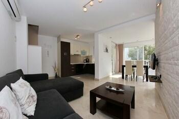 Sunadria Apartments