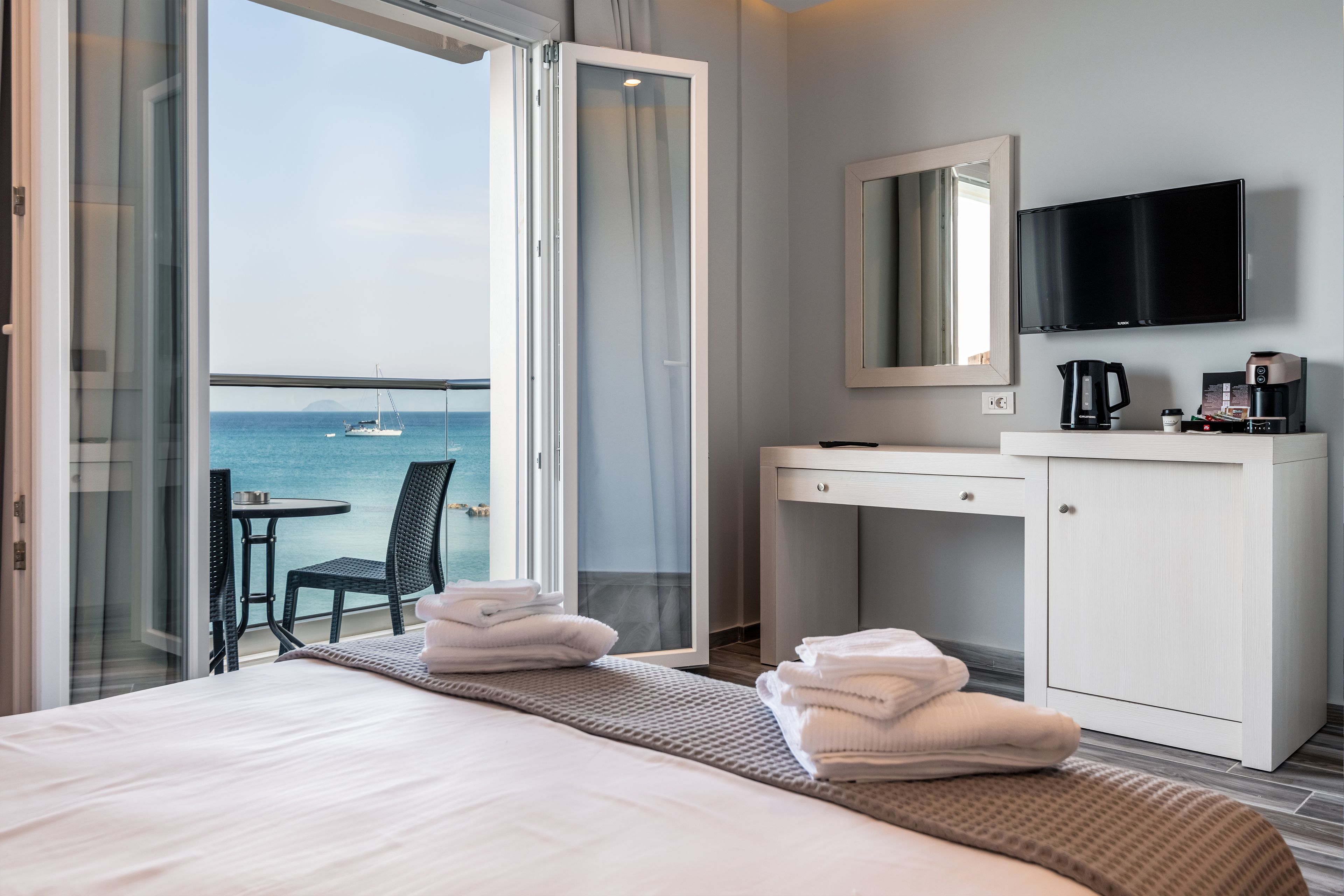 Kyma Rooms And Suites