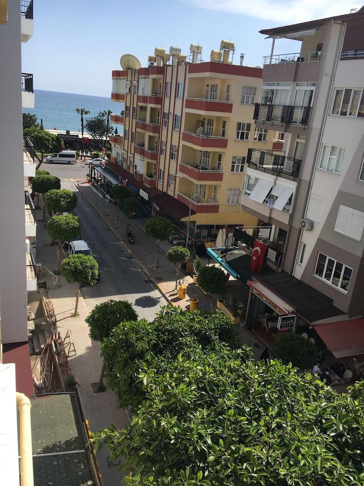Seker Beach Apart Hotel