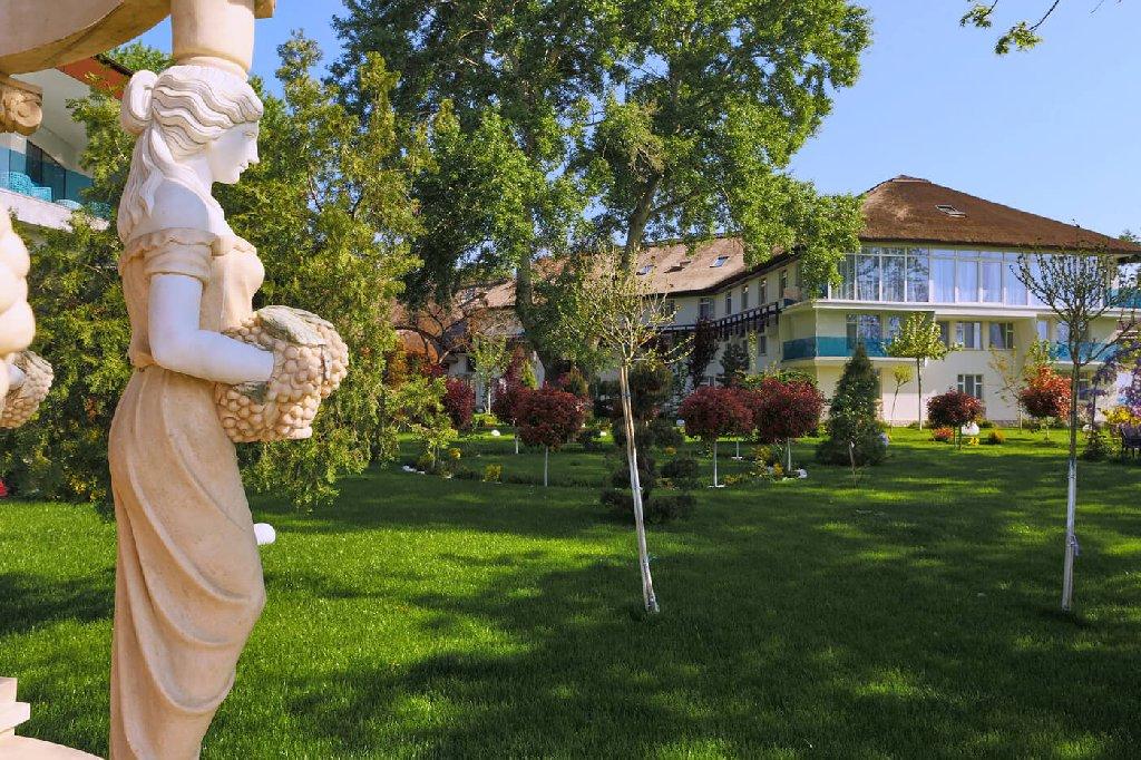 Complex Lebada Luxury Resort Spa