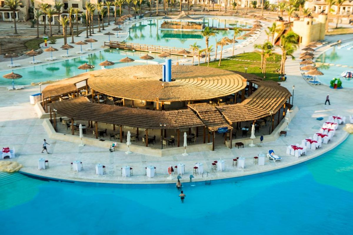 Royal Lagoons Aqua Park Resort