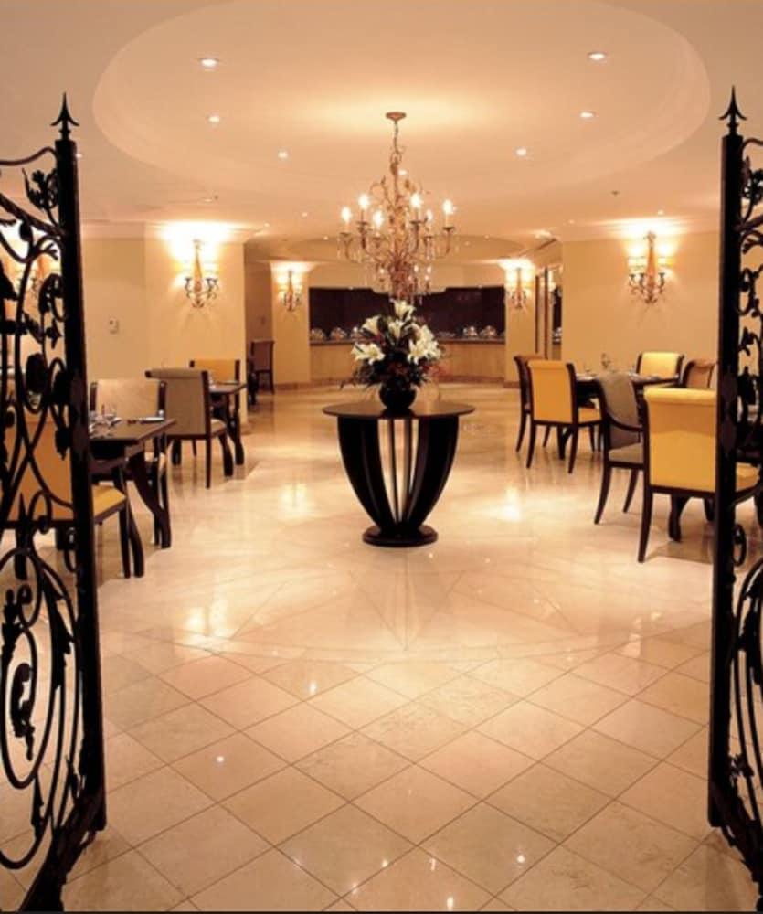 Sheraton Khalidiya Hotel Abu Dhabi
