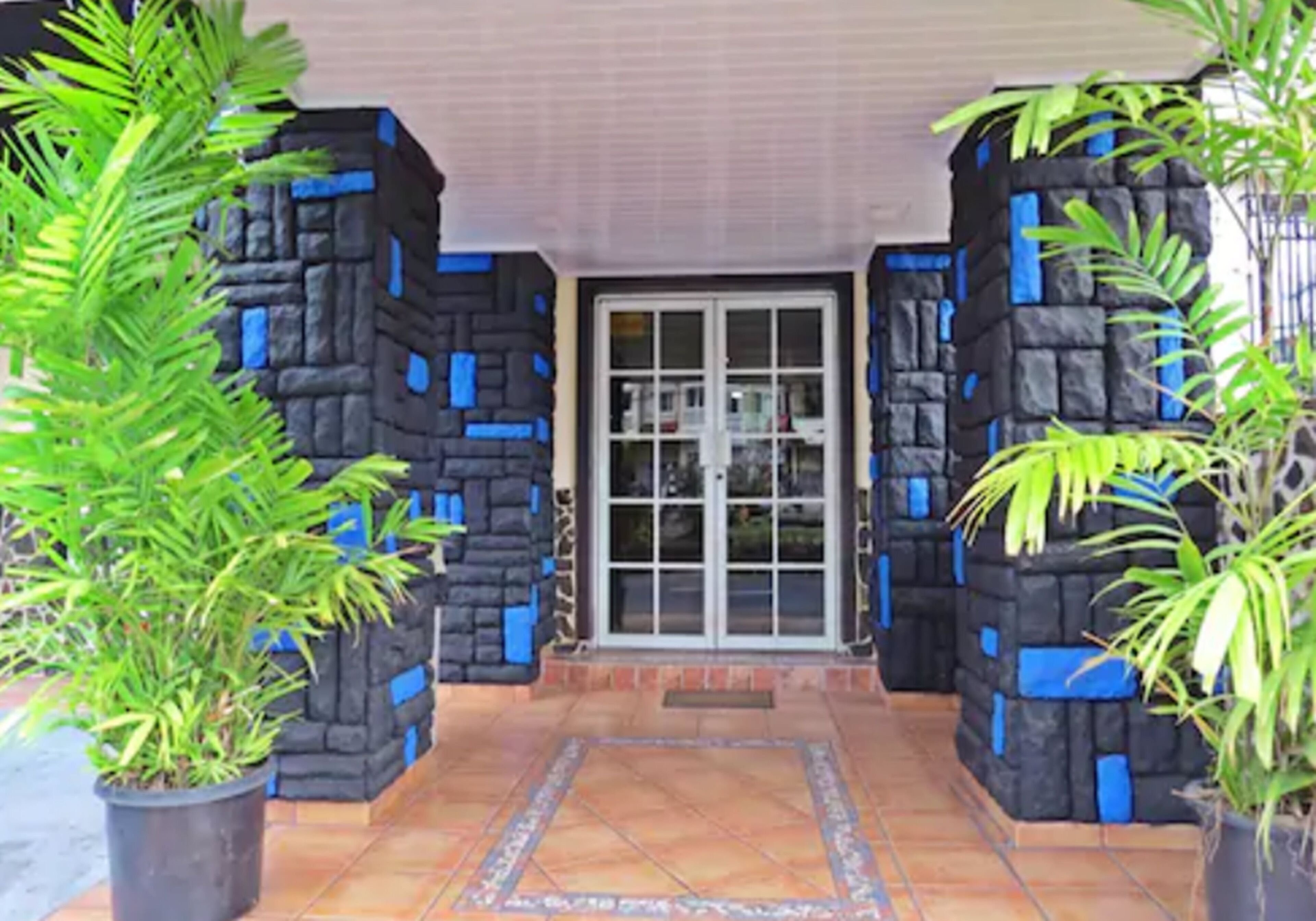 Hotel California Panama