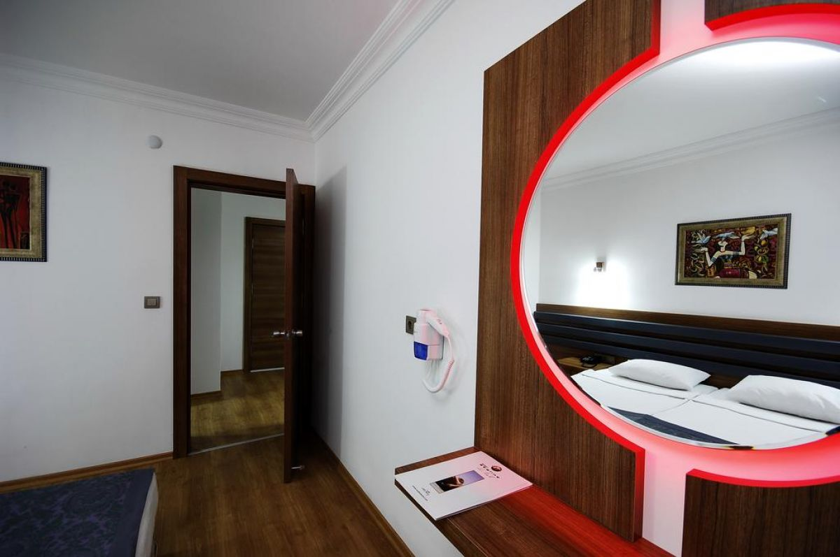 SEALINE HOTEL