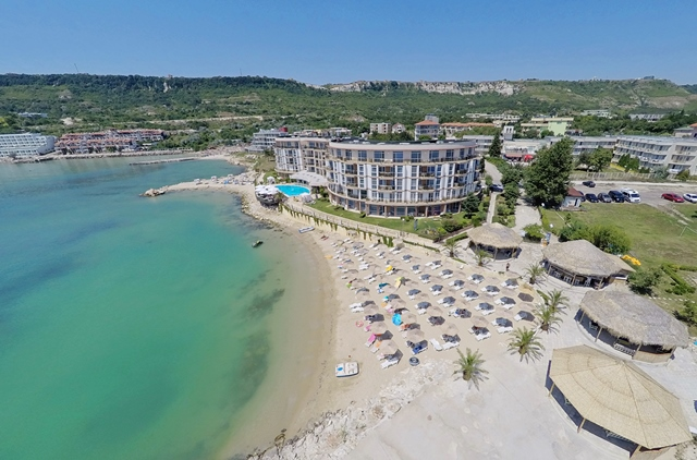Royal Bay Resort, Kavarna