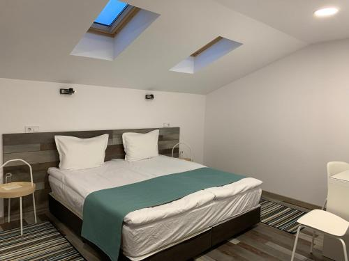 Arte Hotel Rooms And Apartments