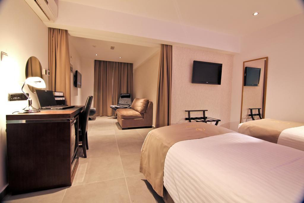 Achilleos City Hotel