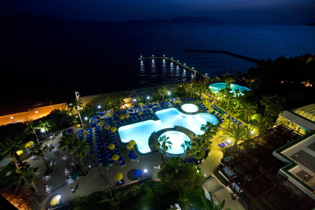 Hotel Fantasia Deluxe