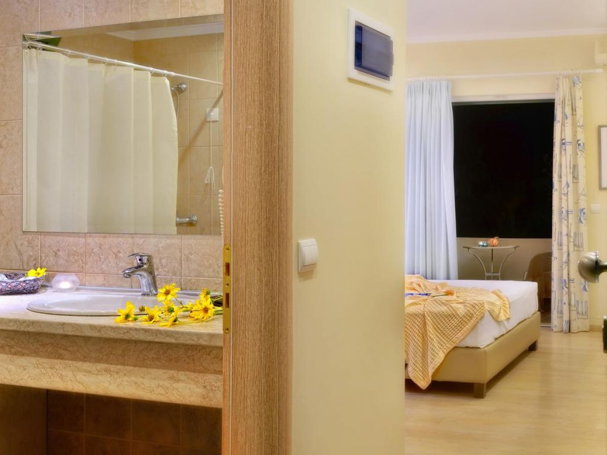 Konaki Hotel, Ligia