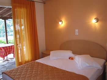 Kavos Hotel