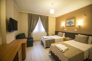 TONOZ BEACH HOTEL