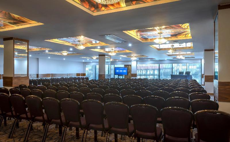 Maldron Hotel & Leisure Centre Tallaght
