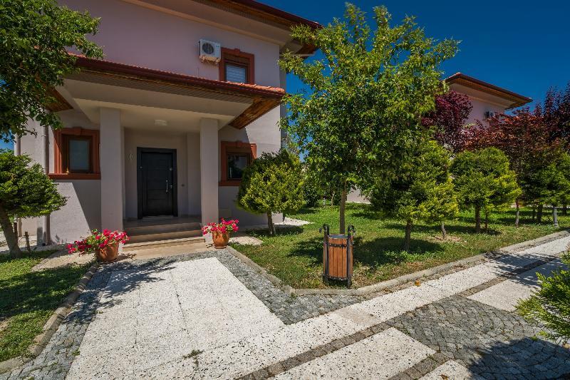 Vista Villas & Suites