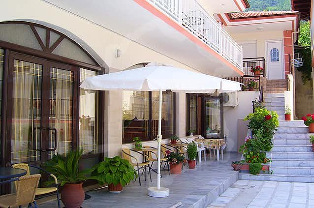 Delfini Hotel (Skala Potamias)