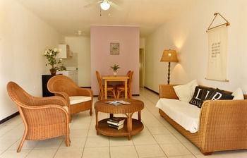 Pega Pega Apartments (Zona Aruba)