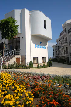 Diamond Apartments
